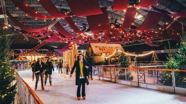Grootste schaatsbaan in Amsterdam tijdens Het Amsterdamse Winterparadijs