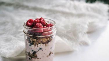 stukjes in yoghurt