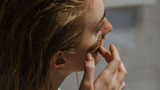 zelf scrub maken recepten voor lichaam gezicht en lippen