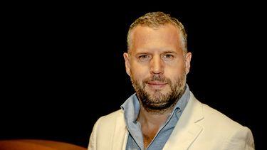 Tijl Beckand presenteert De Verraders op RTL