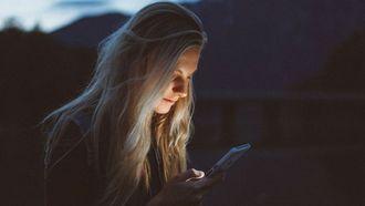 vrouw mobiel date