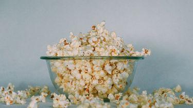 popcorn in een bakje