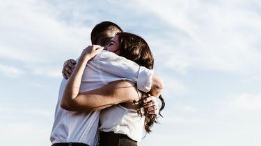 oxytocine knuffelen goed relatie Steenbok