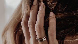 ribbeltjes in je nagels